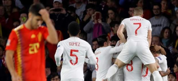 Inglaterra le mete la mayor goleada a España en casa en sólo 45 minutos