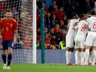 Gol de Inglaterra a España