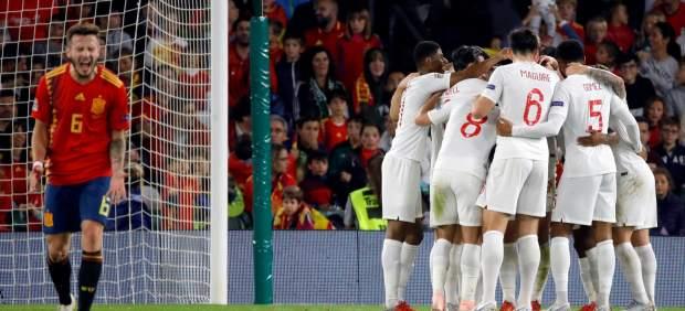 Inglaterra baja a la tierra a la España de Luis Enrique (2-3)