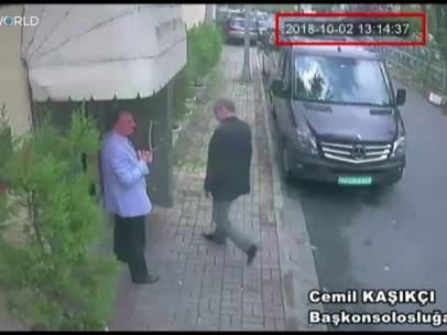 Jamal Khashoggi  en el consulado saudí en Estambul