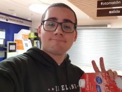 La historia de Sebas, el youtuber atrapado en el Carrefour, arrasa en las redes