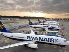 Los sindicatos de Ryanair contemplan una huelga de tres días en Navidad
