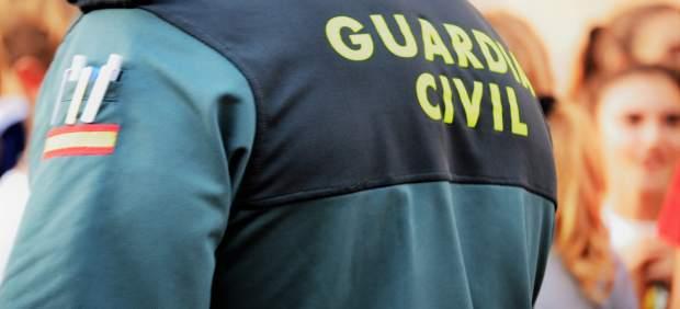 El pleno del Parlament pide 1.500 millones para equiparar las retribuciones de las policías ...