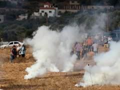 Israel cierra Gaza tras el lanzamiento de cohetes y bombardea en respuesta