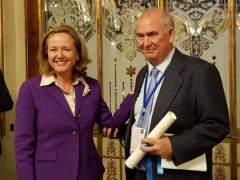 Mariano Guindal recibe el I Premio de Periodismo Económico Carlos Humanes
