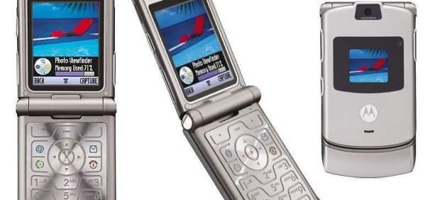 El mítico Motorola con tapa vuelve como un teléfono con pantalla plegable