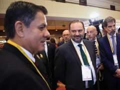 Dimite el ministro del Interior peruano tras huir a España un exjuez acusado de corrupción