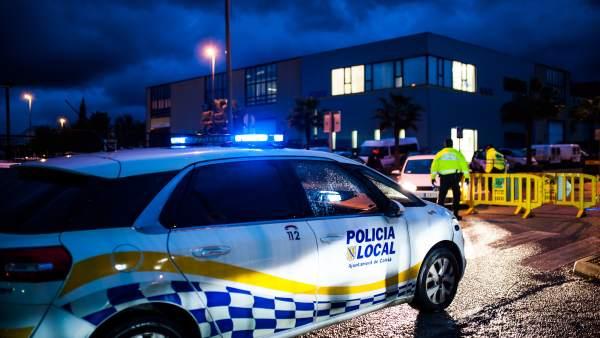 Cuatro personas inmovilizan a un hombre que estaba golpeando a su pareja en presencia de su hijo en Calvià   805516-600-338