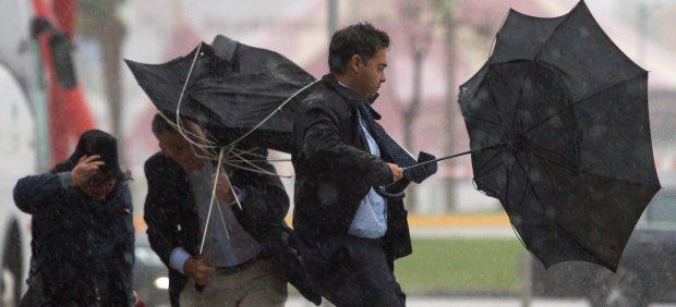 La gota fría en directo: goteras, desprendimientos, suspensión de clases y 18 provincias en alerta