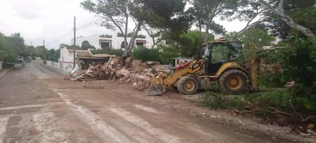 Parte de un almacén se derrumba en Sant Antoni (Ibiza)