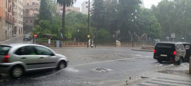 Las lluvias mantienen Mallorca en riesgo este viernes