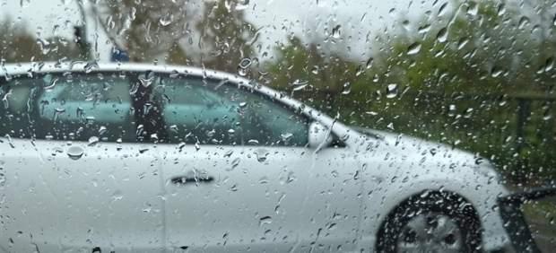 Cierran tres carreteras en Mallorca por el mal tiempo, una de ellas por el desbordamiento de un ...