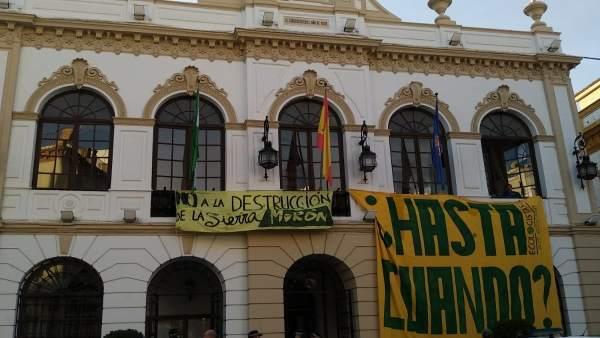 Protestas en el pleno de Morón