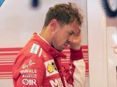 Vettel, sancionado, pone un poco más fácil el título a Hamilton