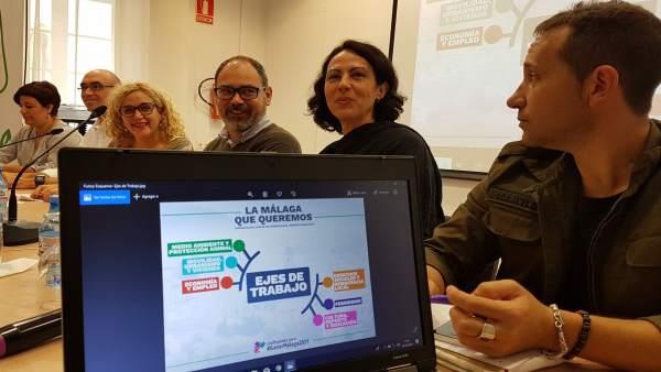 Reunión de IU y Podemos con sindicatos y colectivos