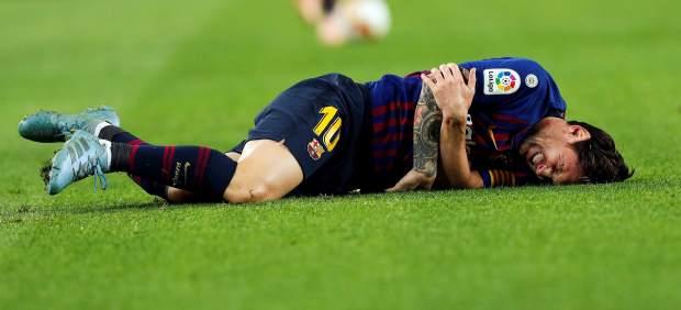 Messi se lesiona el codo y se perderá el Clásico: de dos a tres semanas de baja
