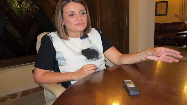 La alcaldesa de Almonte, Rocío Espinosa.