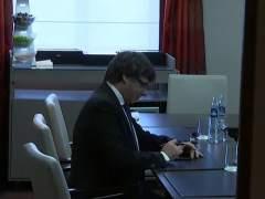 Puigdemont fracasa en la convocatoria de su reunión multilateral en Waterloo