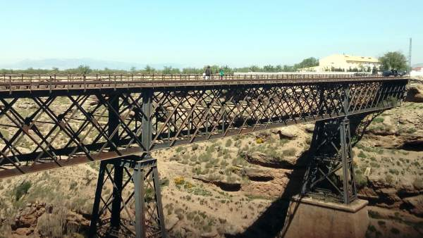 Puente Arroyo Baúl