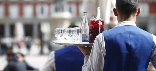 La facturación del sector servicios en Baleares crece un 1,9% en agosto, el menor incremento del ...