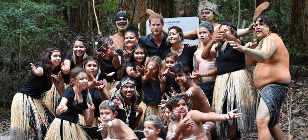 El príncipe Harry con los aborígenes