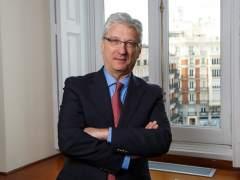 El magistrado que ordenó revisar la sentencia de las hipotecas fue profesor de un centro propiedad de los bancos españoles