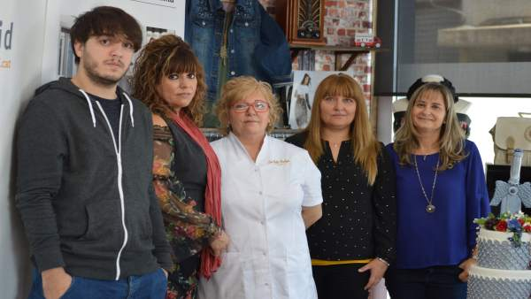 Emprendedores y responsables del programa Incorpora en Lleida