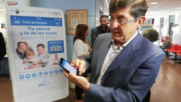 Villegas visita el Centro de Salud de Vistabella de Murcia