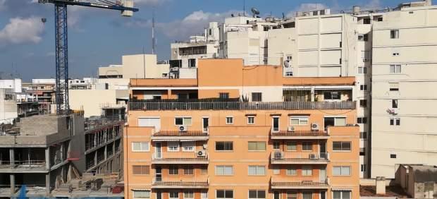 Alquilar una vivienda en Baleares resulta cuatro veces más caro que en Ciudad Real o Cáceres, ...
