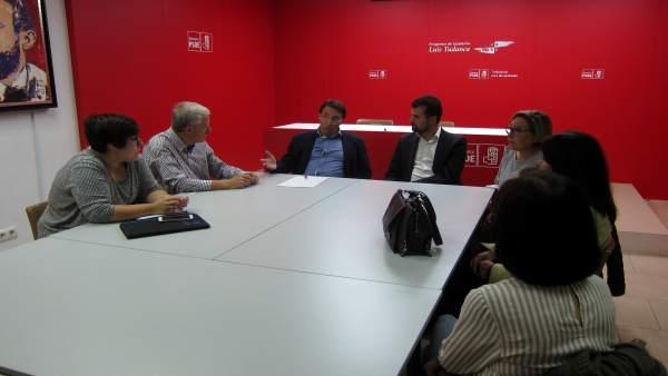 Luis Tudanca y Fernando Pablos con representantes  de Aspas.