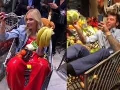Indignación en redes: 'influencers' que se tiran comida en un supermercado