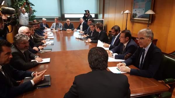 Reunión por la situación de Alcoa en Madrid