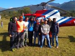 """Rescatado """"perfecto"""" y """"sonriendo"""" el parapentista español atrapado en el Himalaya cinco noches"""