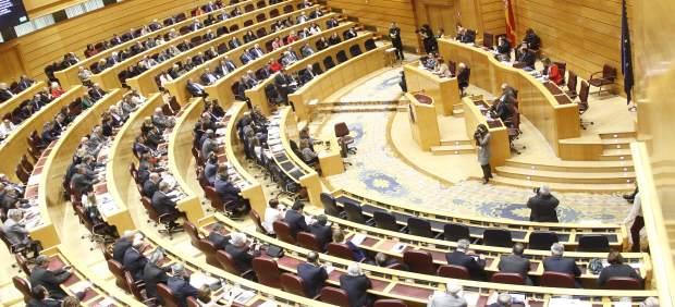 El PP y Cs se abstienen en la condena al franquismo aprobada por el Senado