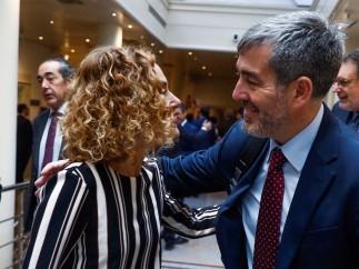 Meritxell Batet y Fernando Clavijo en el Senado