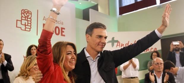 Pedro Sánchez junto a Susana Díaz durante un comité del PSOE con motivo de las elecciones autonómicas de Andalucía