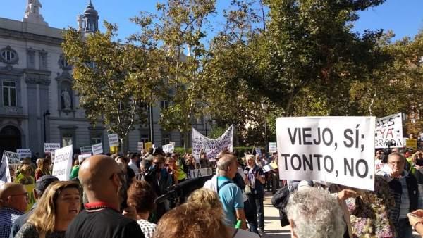 Protesta ante el Tribunal Supremo por las hipotecas
