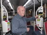 Enrique Andújar vendió su Nissan del año 1999 y se mueve en transporte público con la T-Verda Metropolitana.