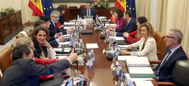 Guiño de Sánchez a la tensión del procés: el Consejo de Ministros previo a Navidad se ...