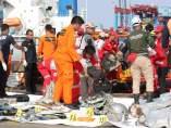 Restos del avión de Lion Air estrellado en Indonesia