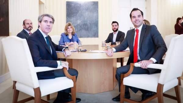 Ignacio Aguado y Ángel Garrido pactan las últimas cuentas de la legislatura