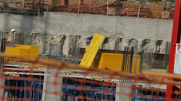 Imagen de archivo de viviendas en construcción