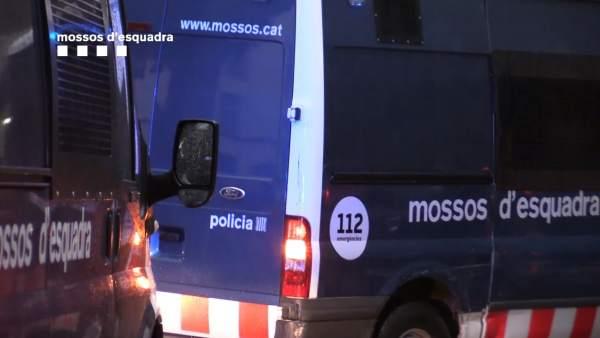 Los Mossos trasladan a los detenidos
