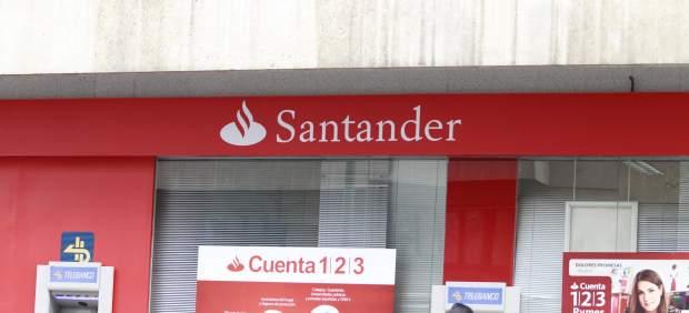 Un juzgado condena al Santander a abonar el impuesto de las hipotecas de forma retroactiva