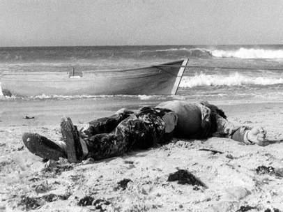 Foto de la primera muerte documentada de un migrante en patera en España