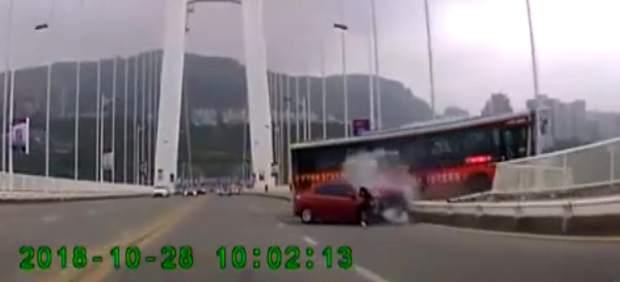 Terrible accidente de autobús en China