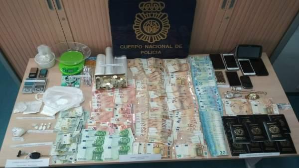 La Policía Nacional desarticula una organización criminal dedicada adedicada a la falsificación documental la falsificación documental   816350-600-338