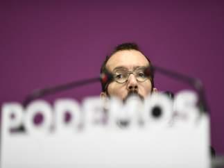 Pablo Echenique y Noelia Vera de Podemos ofrecen una rueda de prensa