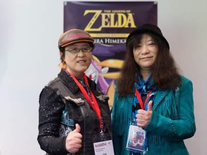 Las autoras de la adaptación al manga del videojuego 'The Legend of Zelda', A. Honda y S. Nagano, conocidas como Akira Himekawa, durante la última edición del Salón del Manga de Barcelona.