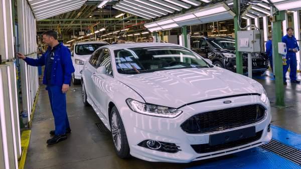 Ford anuncia acomiadaments però no concreta sobre València